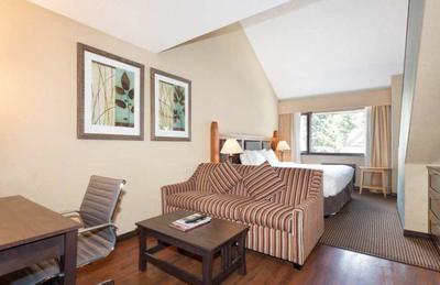 loft-kingsize-sofa.jpg